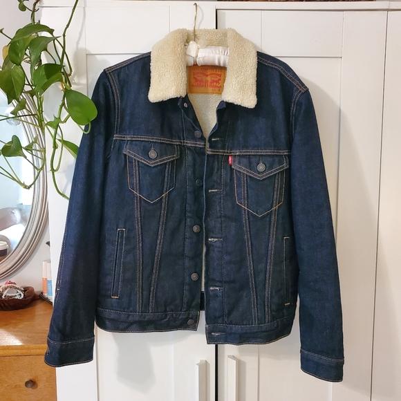 Levi's trucker sherpa jacket - Men's small